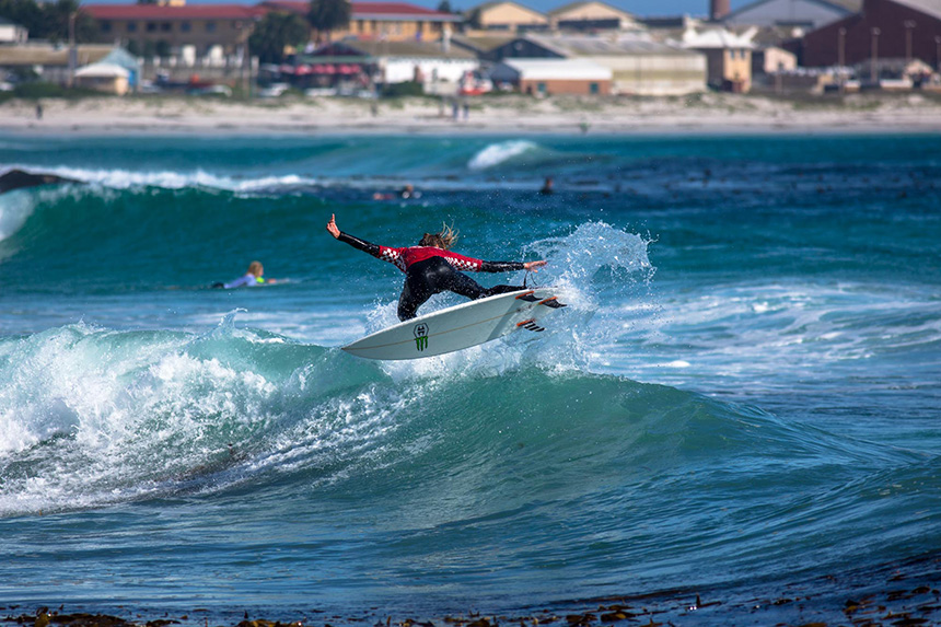 5a6fe167f58562 The Vans Surf Pro Classic - Day 1 - Zigzag Magazine