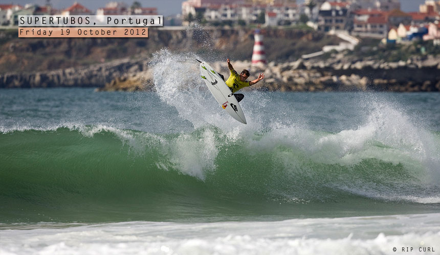 Julian Wilson claimed his maiden Dream Tour victory at the Rip Curl Pro Portugal today. J-Dub took out in-form goofyfoots Gabriel Medina and Owen Wright along the way with a mixed bag of punts (like this) and some deep pits. - Image copyright Rip Curl