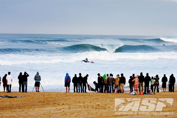 The iconic beachbreaks of Hossegor will play host to the ASP Top17 in September.