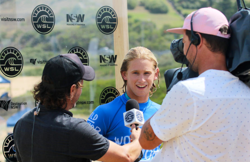 Jordy getting his charm on during a post heat interview. © WSL