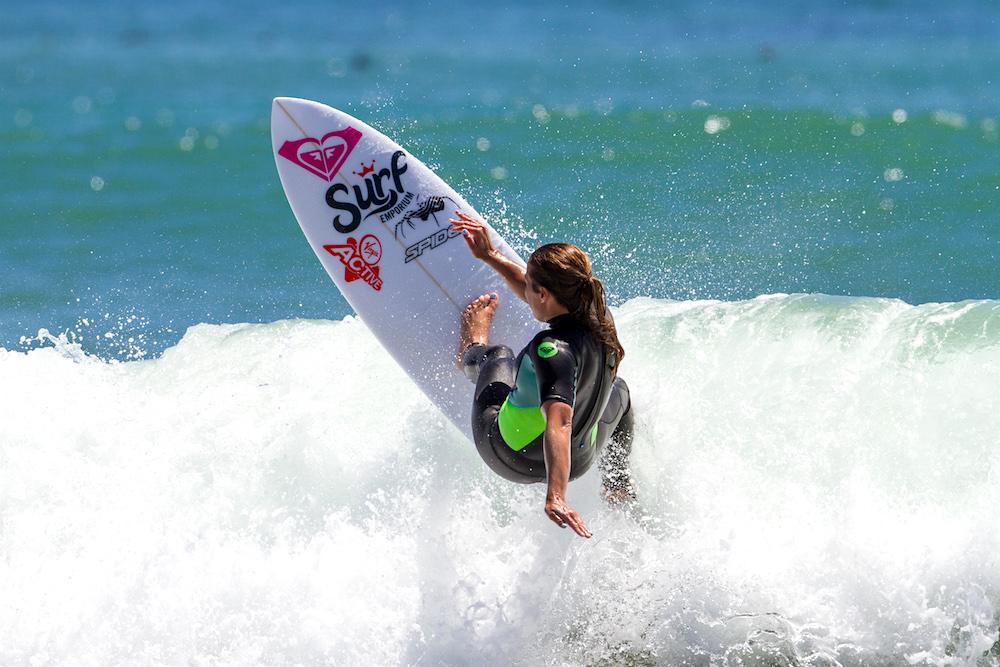 Surf Champ Roxy Davis Conquers the Wobbles